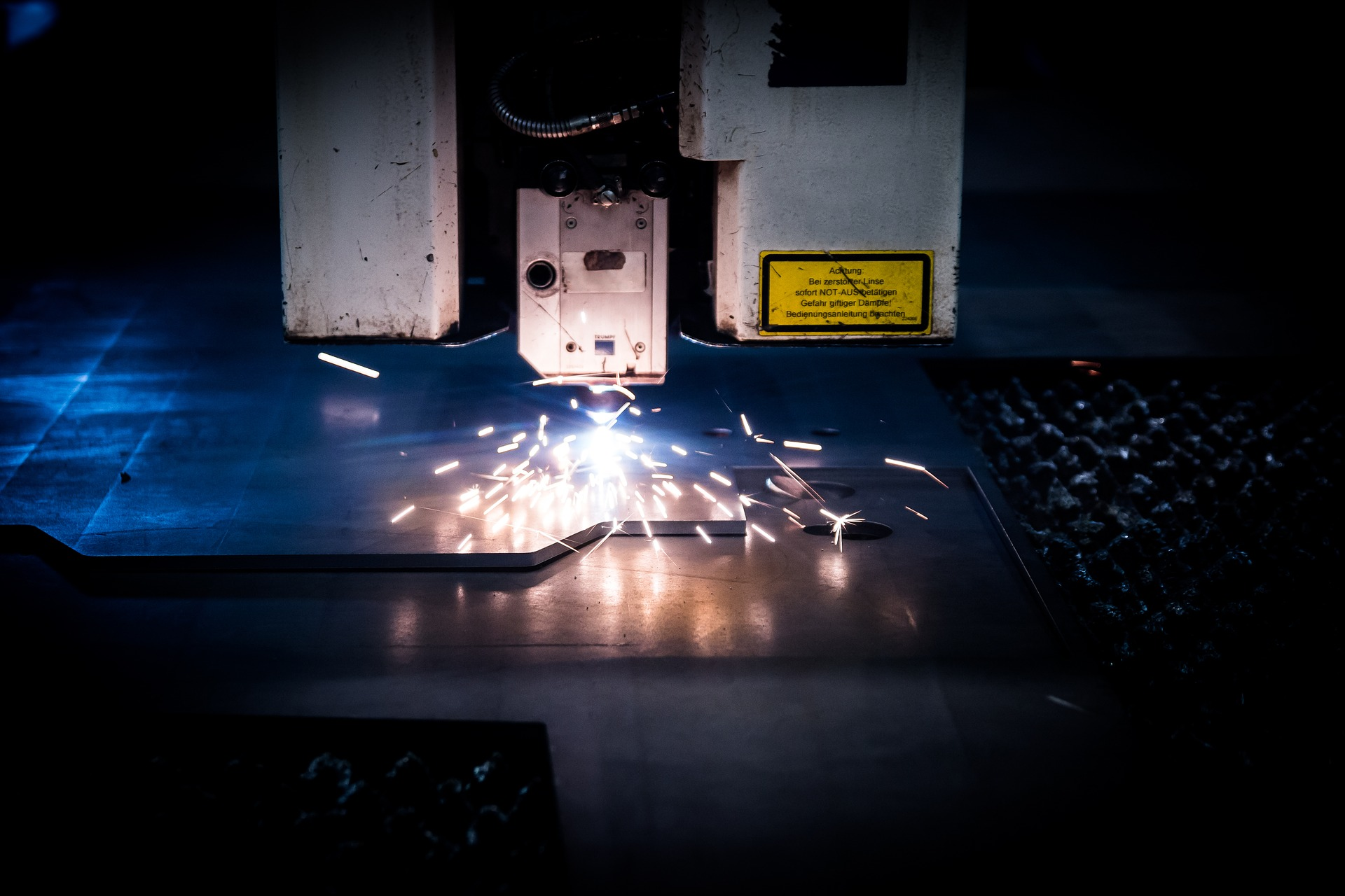 Why Is A Laser Cutter A Better Choice?