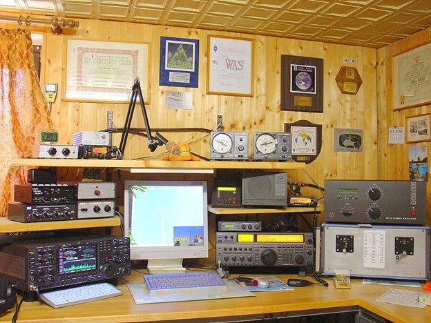 Follow These Signals for Getting Started in Amateur Radio